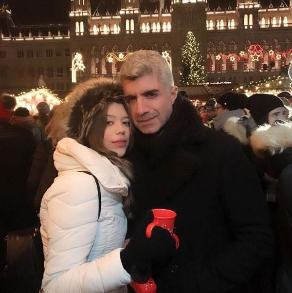 تفاصيل جديدة زفاف أوزجان دينيز