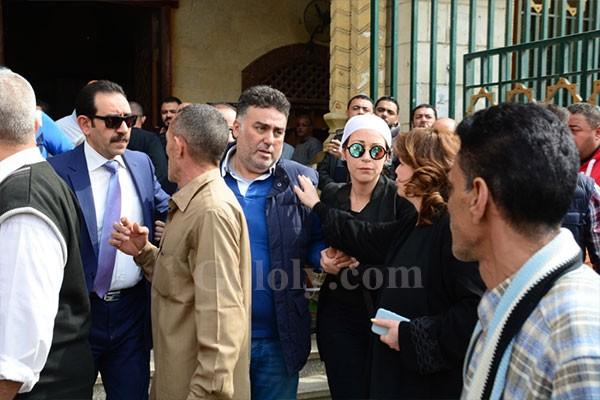 جنازة والدة السينارست تامر حبيبي من مسجد السيده نفيسه