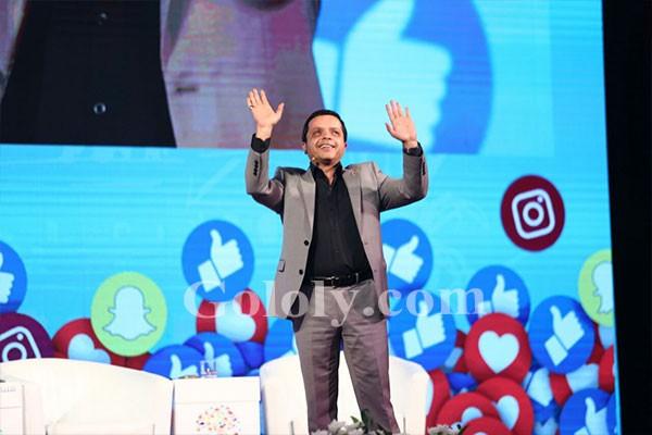 محمد هنيدي واحمد فهمي و احمد حسن بمؤتمر التواصل الاجتماعي بجامعة القاهرة