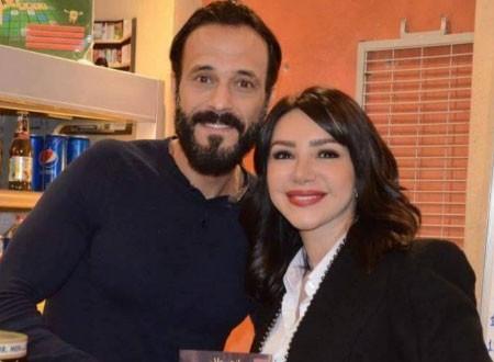 يوسف الشريف يحتفل بعيد زواجه الـ 11 برسالة رومانسية لزوجته.. شاهد