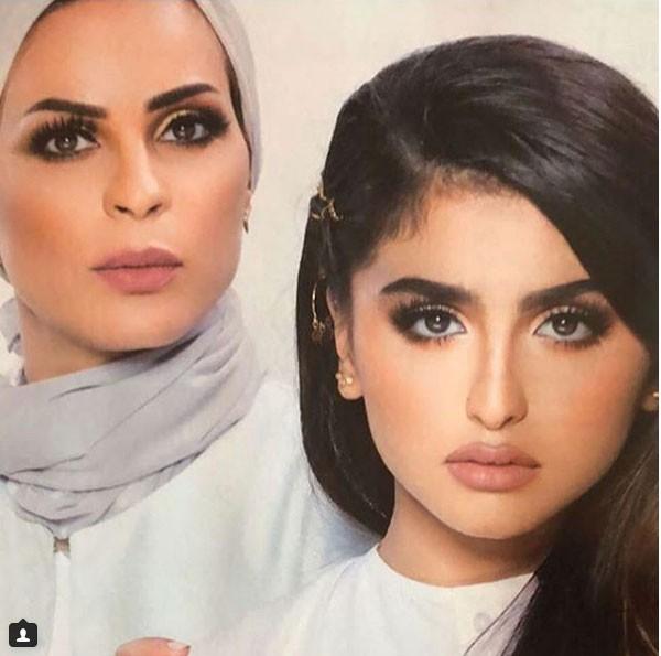 حلا الترك ووالدتها