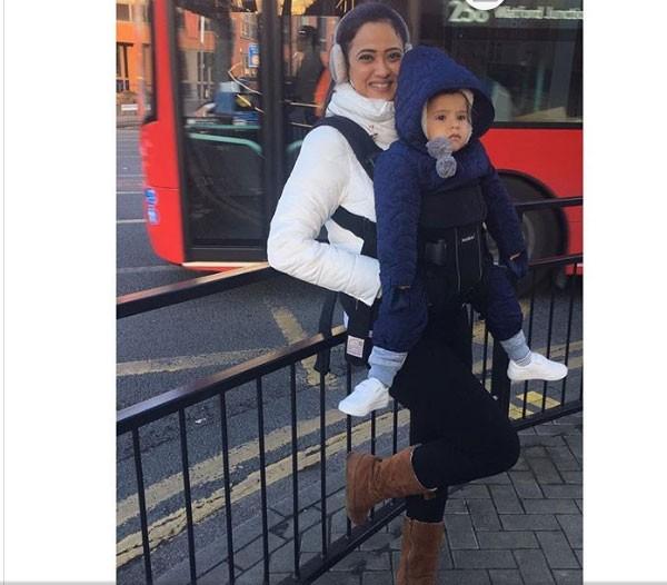 شويتا تيواري بعطلة عائلية في لندن.. صور