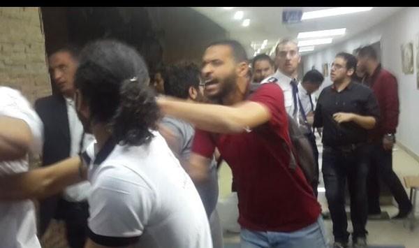 حبس وضرب الصحفيين أثناء تغطيتهم حفل تامر حسني بجامعة بدر