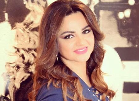 باسكال مشعلاني تحتفل بعيد ميلادها بتورتة «خليك بالبيت».. فيديو