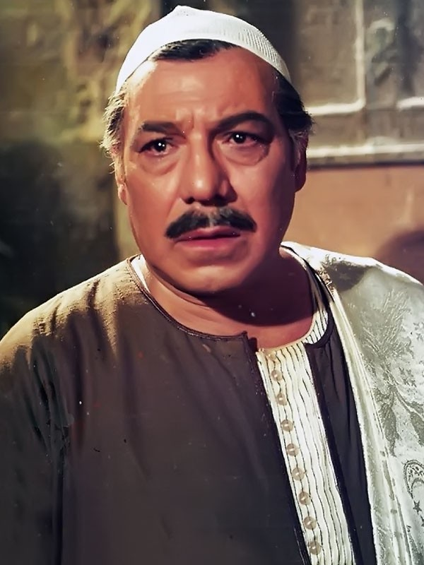 جولولي صورة مؤلمة للفنان فريد شوقي قبيل وفاته وبجواره فنان