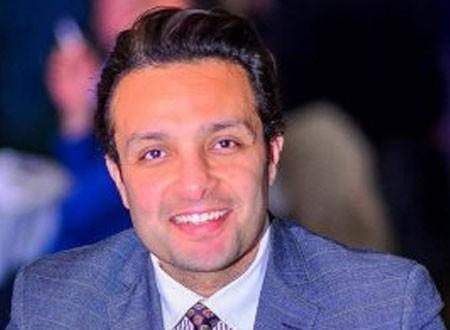 الفنان وائل عبدالعزيز يحذر أنغام بعد انفصالها عن زوجها