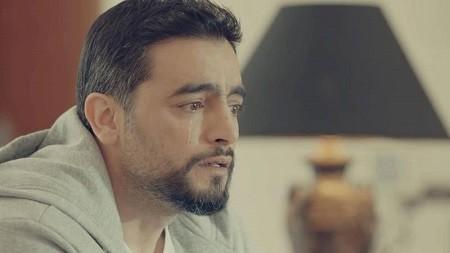 بعد غادة عبدالرازق.. انهيار هاني سلامة في تغسيل شقيقه.. شاهد