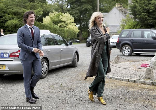 كيت هارينجتون وروز ليزلي
