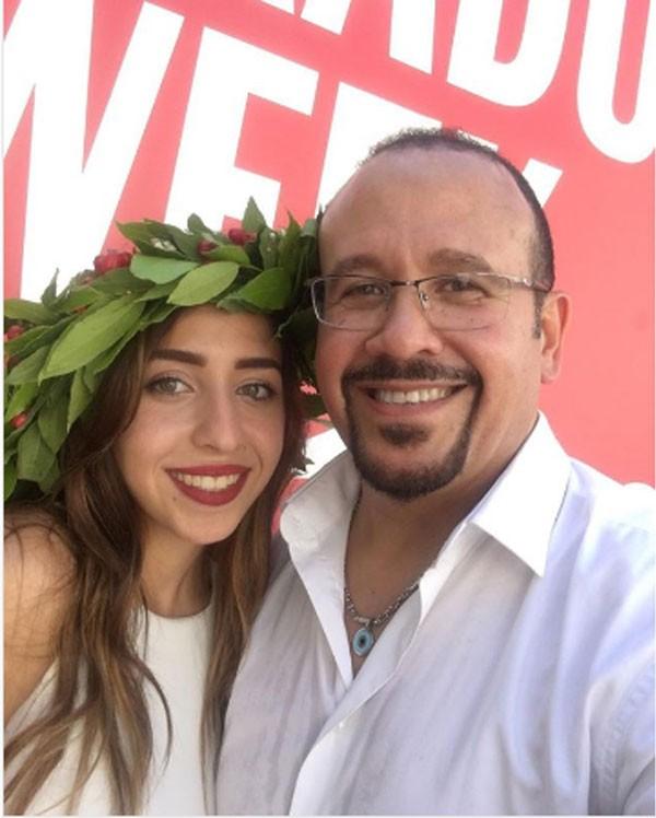 هشام عباس وابنته