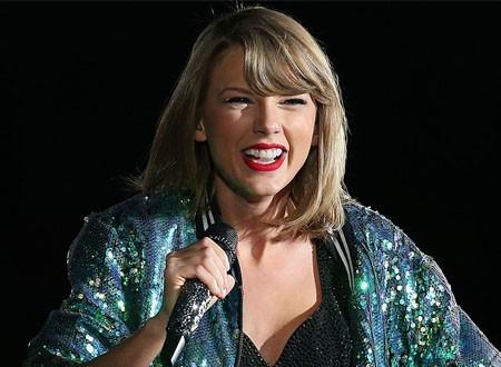 تايلور سويفت ممنوعة من غناء أغانيها القديمة