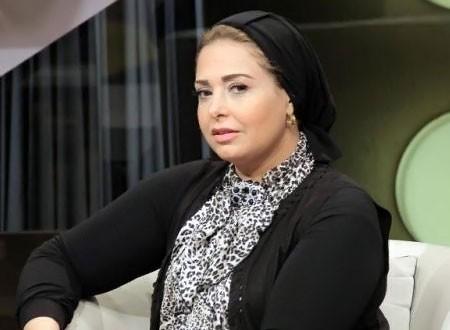 صابرين ردا على منتقدي حجابها: «اللي هينزل معايا القبر يقولي»