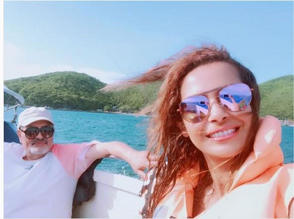 داليا مصطفى ووالدها