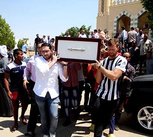 جنازة والدة محمد ثروت