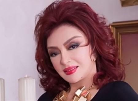 نبيلة عبيد تزور الإعلامية فجر السعيد في المستشفى بباريس.. صورة