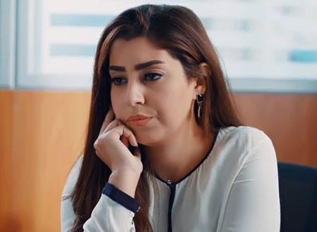 أيتن عامر تهرب من منزلها لهذا السبب الغريب.. فيديو