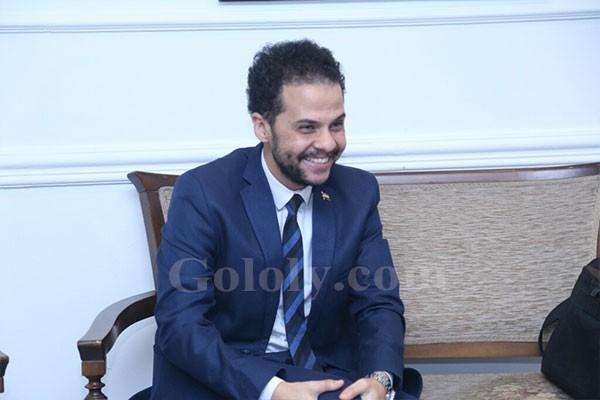 الغرباوي يكرم سميرة عبد العزيز بمهرجان المسرح الحر