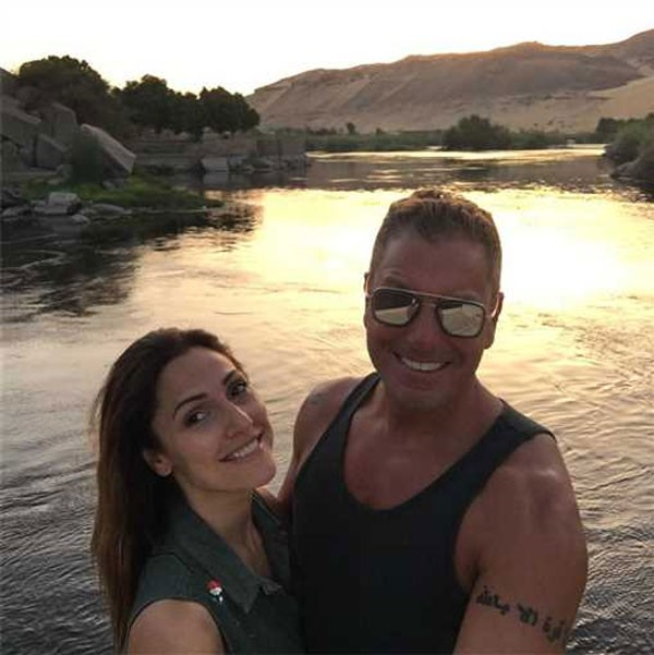 تامر هجرس وزوجته