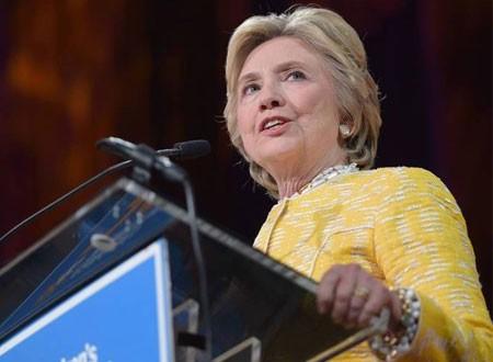 هيلاري كلينتون تبدأ 2020 بدكتوراه ولقب جديد