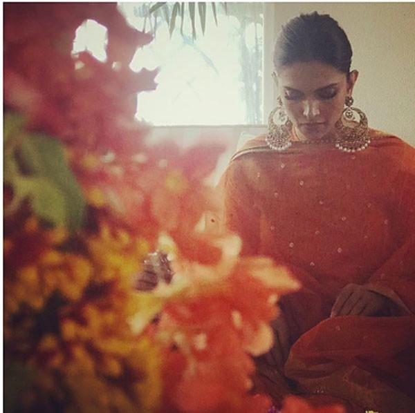 الممثل الهندي رانفير سينج يبدأ احتفالات ما قبل الزفاف.. صور