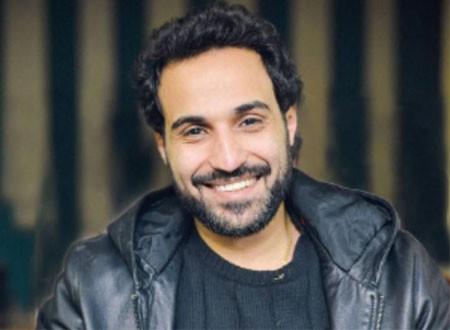 أحمد فهمي يسب إحدى متابعات شقيقه بألفاظ خارجة