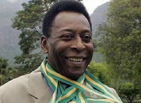 مزاد على آخر «تي شيرت» ارتداه بيليه لمنتخب البرازيل