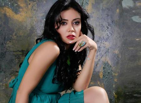بعد الحجاب.. رانيا يوسف تتألق بالأحمر الجذاب.. صور