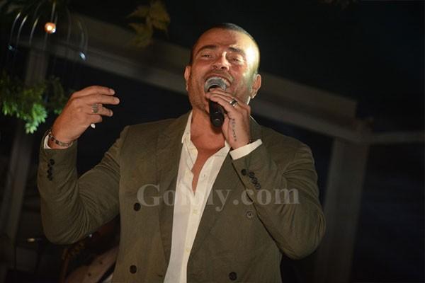 عمرو دياب الهضبة يتألق بأقوى حفلات الكريسماس في القاهرة الجديدة بحضور نجوم المجتمع والمشاهير