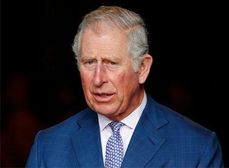 صور الأمير تشارلز مع كاتي بيري تقلق محبيه على صحته