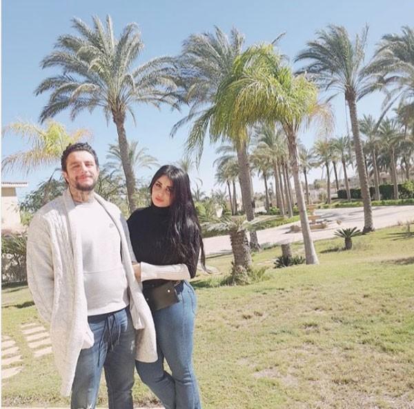 احمد الفيشاوي وزوجته