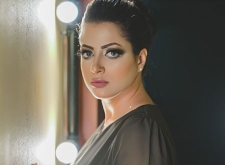 أول ظهور للفنانة منى فاروق بعد خروجها من السجن.. صورة