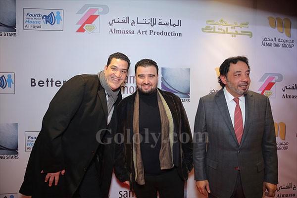 سامح حسين و ساندي يحضران العرض الخاص لفيلم عيش حياتك