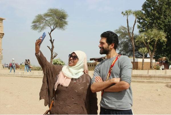 جولة سياحية لـ احمد مجدي و جيهان خليل في أسوان