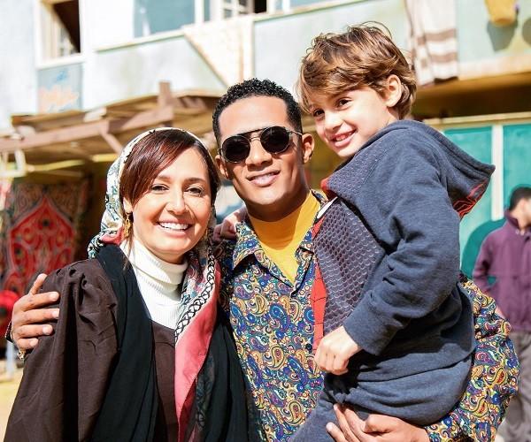 حلا شيحة وابنها مع محمد رمضان