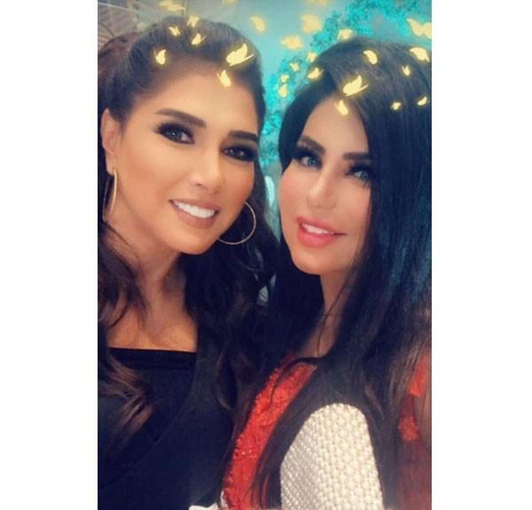 11b0ec3c5 أحلام حسن تتألق بإطلالة عروس في حفل حصولها على الدكتوراه ... - جولولي