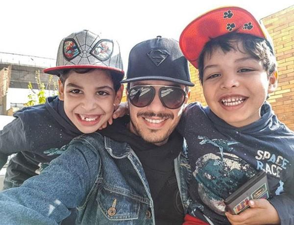 احمد ابراهيم زوج انغام مع ولديه