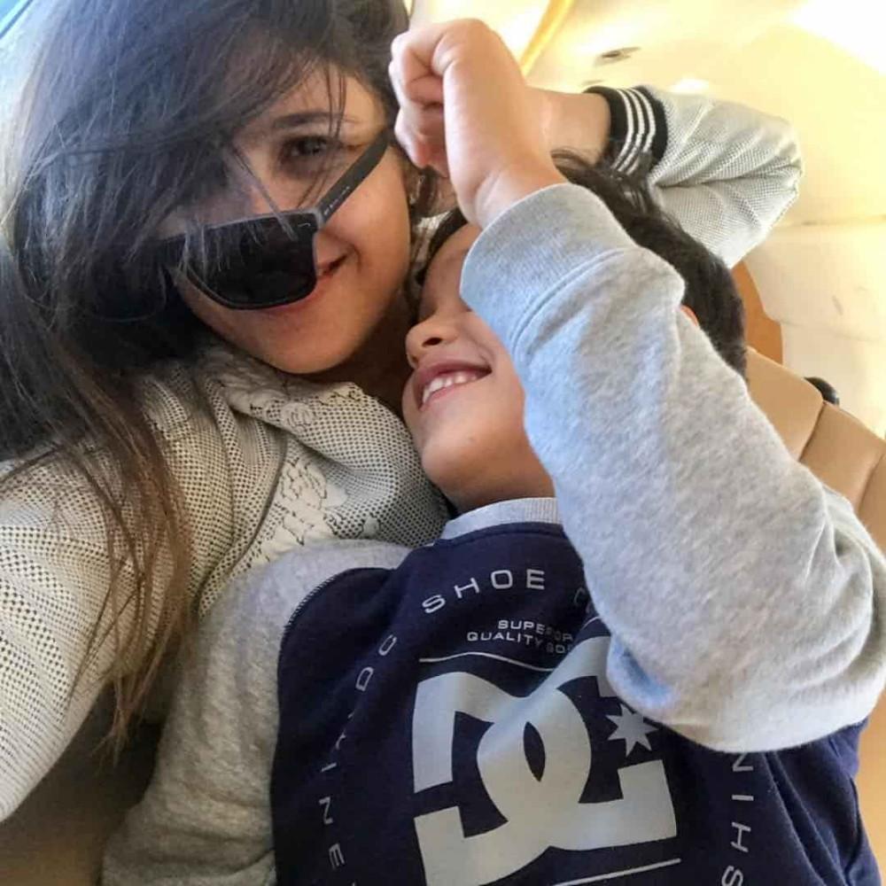 ياسمين عبدالعزيز وابنها