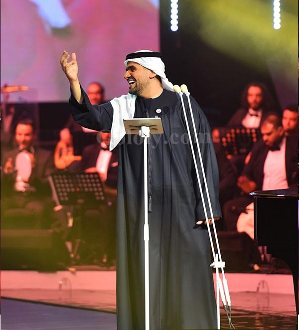 حسين الجسمي يبحر في دار الأوبرا المصرية حباً وطرباً