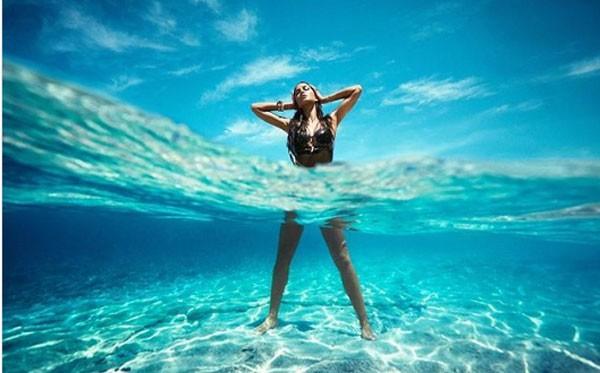 صور كاترينا كايف في المالديف تجعلك تحزم حقائب سفرك.. شاهد