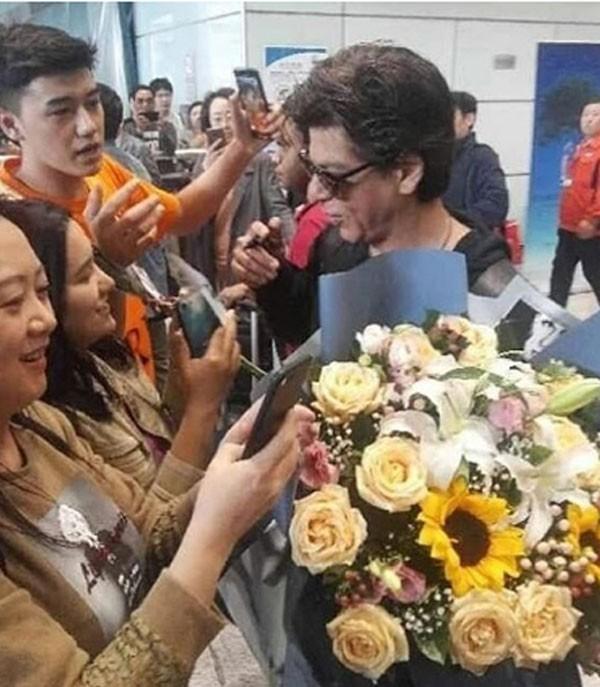 رغم الاستقبال الحار في الصين: شاروخان مُحبط ويرفض التوقيع للأفلام بعد كارثة «Zero»