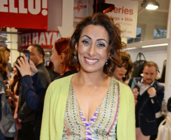 سايرا خان