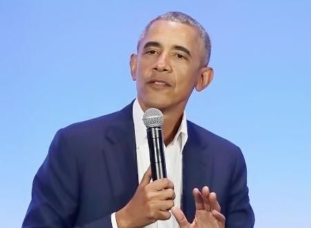 باراك أوباما في مباراة بيسبول مع الطلاب.. فيديو
