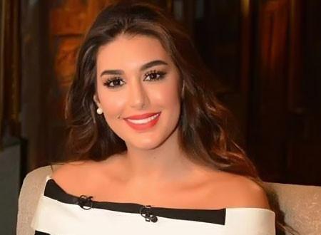 ياسمين صبري تخطف الأنظار في جلسة تصوير جديدة.. صور