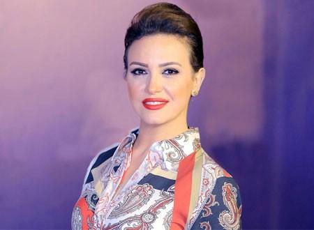 9cf18150a جولولي | ريهام عبدالغفور تخلع ثوب «فريدة» وتتألق في جلسة تصوير أنيقة ...