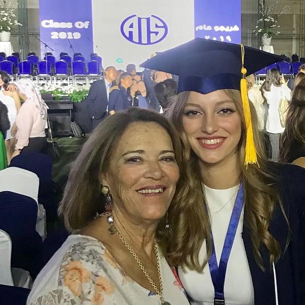 تامر هجرس يحتفل بتخرج ابنته