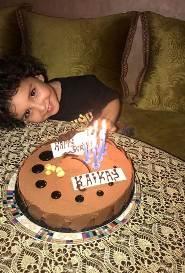 هكذا احتفلت دنيا بطمة بعيد ميلاد ابنتها وابن زوجها صور