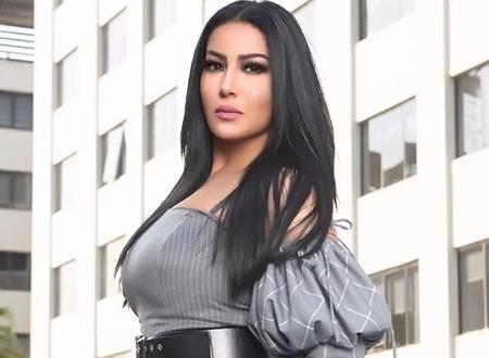 سمية الخشاب برشاقة لافتة في حفل تكريمها بالمغرب.. صور