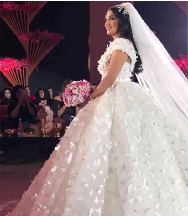 58be6dbb9 جولولي | صور.. الفنانة شهد الياسين تحتفل بزفافها بحضور نجمات الخليج