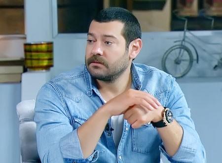 عمرو يوسف يعلق على أزمة ياسمين عبدالعزيز مع شقيقها