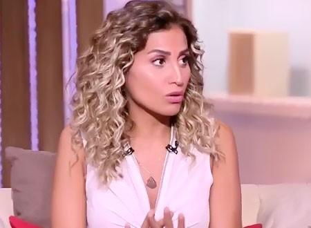 دينا الشربيني تحتفل بعيد ميلادها بالقفازات في كواليس «لعبة النسيان».. صور