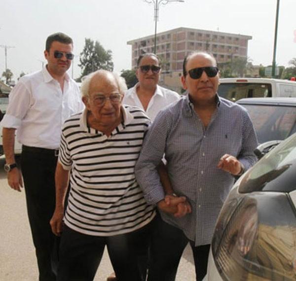 جنازة زوجة رشوان توفيق